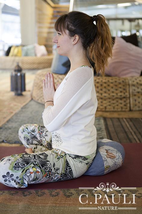yogakissen selber n hen kreativ. Black Bedroom Furniture Sets. Home Design Ideas