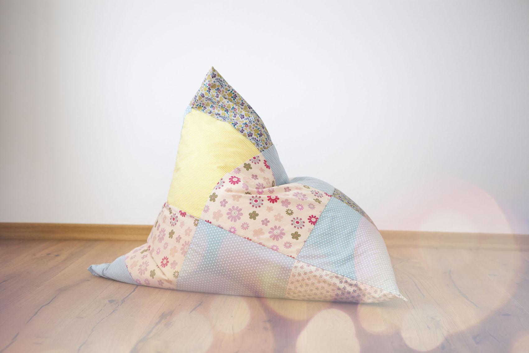 diy patchwork sitzsack in pastellt nen c pauli nature blog. Black Bedroom Furniture Sets. Home Design Ideas